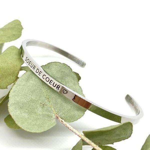 """Bracelet jonc ajustable à message """"Soeur de coeur"""" en acier inoxydable gravure noire"""